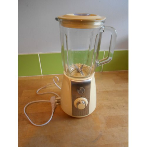 Swan Retro Stand Glass Jug Blender ,5 Speed Motor with Pulse, 1.5 L