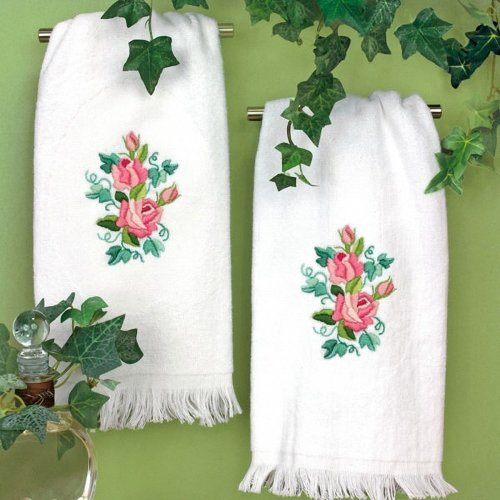 D72-73702 - Dimensions Stamped Embroidery - Roses & Ivy Guest Towels